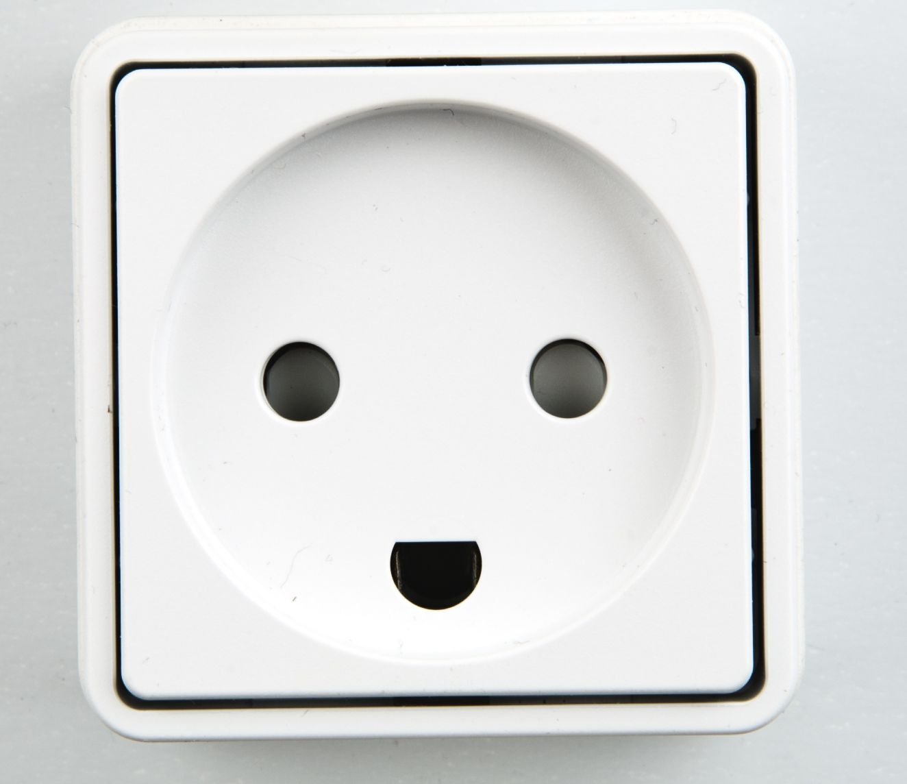 Get Ready For New Plugs Starting In 2015 Future Batteries That Could Power Your Home Techcentral Danish Plugs2